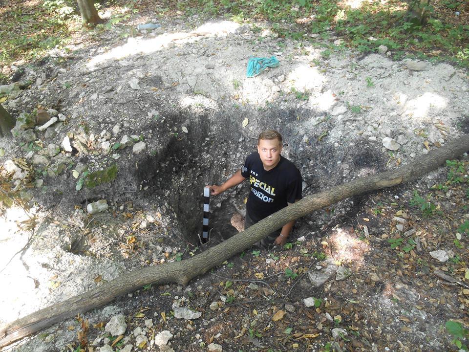 В археології Ярослав найбільше цікавиться добою Київської Русі